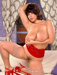 Two males hard shugging big buxom helen in this...